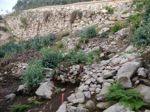 continuacion-das-escavacions-na-base-do-castro-de-montealegre-afectados-pola-baixante-do-trazado-do-desdobramento-do-corredor