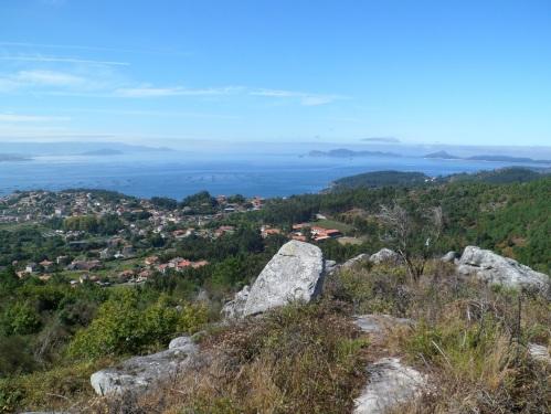panorámica da ría de Vigo desde o cume do Castelo de Darbo